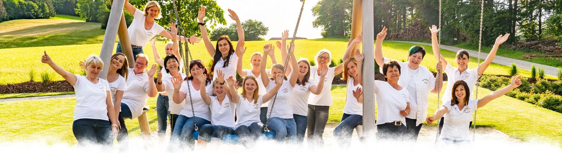 Gruppenfoto Bauernkrapfen-Schleiferei Team