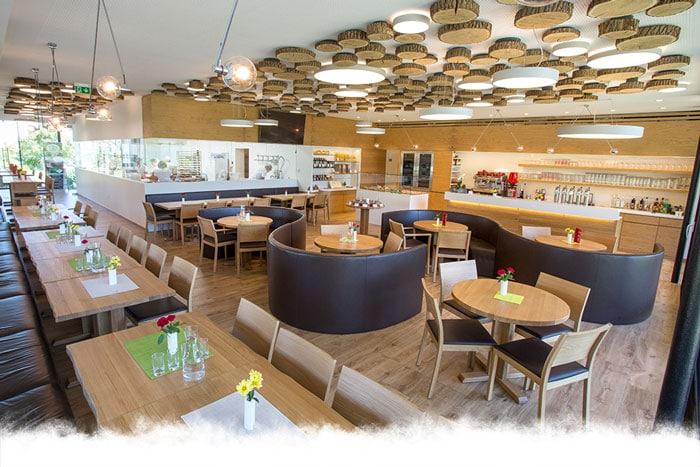 Café und Schaubäckerei - Bauernkrapfen-Schleiferei
